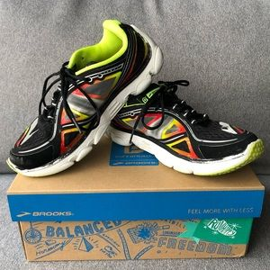 Brooks Pureflow 3 Kids Running Shoes Size 2